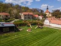 Veřejné dětské hřiště - chalupa ubytování Klobouky u Brna