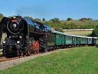 Historický vlak z Břeclavi do Lednice -