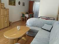 obyvák s kuchyní - apartmán ubytování Mikulov na Moravě