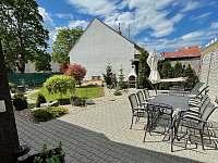 Zahrada - apartmán k pronajmutí Břeclav - Poštorná