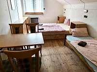 ložnice 1 - 4 lůžka - chata ubytování Ivančice