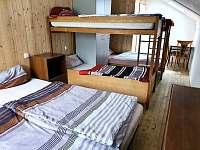ložnice 3 - 6 lůžek - pronájem chaty Ivančice