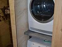 pračka a sušička - pronájem apartmánu Rakvice