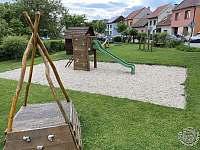 Dětské hřiště - 50m - Boršice u Blatnice