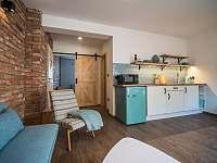 Obytná místnost s kuchyní A - pronájem chalupy Žádovice