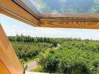 Výhled z okna - chalupa k pronájmu Štítary