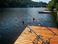 Rybářské místo s loďkou a krásným výhledem na Corštejn a bítovský most - chata k pronájmu