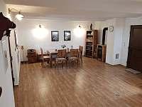 Obývací pokoj - posezení - pronájem chaty Mutěnice