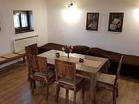 Obývací pokoj - varianta se dvěma postelemi - chata k pronájmu Mutěnice