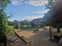 venkovní posezení, hřiště - Jaroslavice