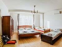 Ubytování U nás ve Vile - Pokoj 4 lůžka - pronájem vily Čejč