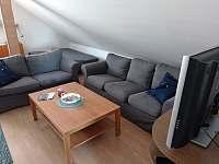 Obývací pokoj - apartmán k pronajmutí Bulhary