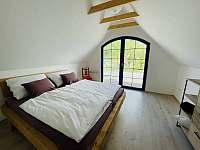 2 lůžková ložnice se vstupem na zadní terasu - Mutěnice