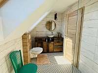 koupelna v prvním patře - chata k pronájmu Mutěnice