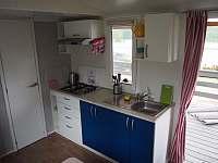Kuchyňský kout plně vybaven - chata ubytování Výrovice