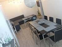 kuchyň s jídelním a obývacím koutem - Tvrdonice