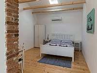 Pokoj 2 - Drnholec