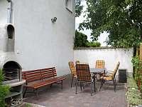 Venkovní terasa s posezením - rekreační dům k pronájmu Břeclav - Poštorná