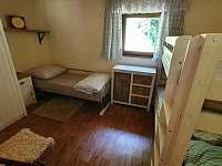 Ložnice 1. přízemí - chata k pronájmu Buchlovice - Smraďavka