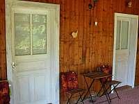 Vchod do pokojů z terasy - Lančov
