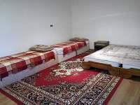 Druhý průchozí pokoj pro čtyri osoby