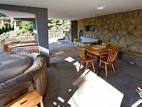 kryté venkovní sezení - pronájem chaty Buchlovice - Smraďavka
