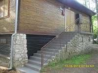 hlavní vstup do chaty - ubytování Starý Petřín