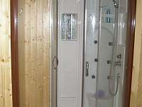 sprchový kout - pronájem chaty Starý Petřín
