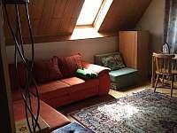 Dětský pokoj s přistýlkou a rozkládací sedačkou - pronájem chaty Bystřice pod Lopeníkem