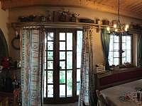 Dveře na terasu z jídelny - chata k pronájmu Bystřice pod Lopeníkem