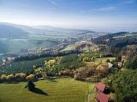 Obec Lopeník je poklidná obec uprostřed přírody - pronájem chaty Bystřice pod Lopeníkem