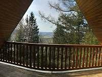 Výhled z balkónu v patře. Vstup z dětského pokoje. - Bystřice pod Lopeníkem