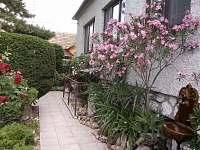 zahrada ve dvoře - Hlohovec