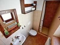 """""""Levandulová chalupa"""", """"Toaleta pro ložnice č. 1 a č. 2"""""""