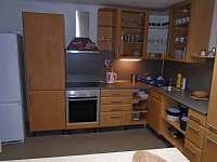 kuchyňská linka - chalupa ubytování Roštín