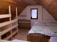 2. pokoj v patře - chata k pronajmutí Břeclav