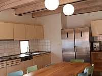 Kuchyň - chalupa k pronájmu Skalička u Tišnova