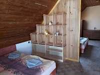 podkroví- velký pokoj - pronájem rekreačního domu Lednice