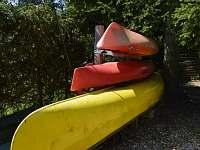 čluny - vybavení chaty