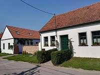 ubytování Lednicko-Valtický areál na chalupě k pronajmutí - Perná