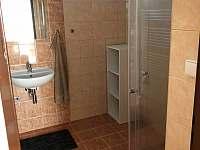 nově zrenovovaná koupelna - pronájem chaty Násedlovice