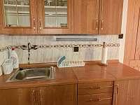 Kompaktní a plně vybavená kuchyně - Podhradí nad Dyjí