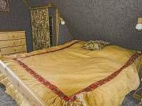 První ložnice v podkroví - chata k pronájmu Podhradí nad Dyjí