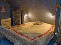 První ložnice v podkroví - Podhradí nad Dyjí