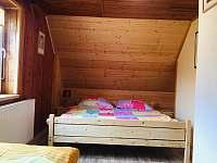 Pokoj v patře pro tři osoby - pronájem chaty Buchlovice - Smraďavka