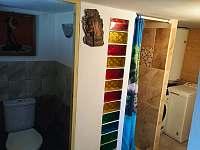 WC, sprcha v suterénu - Buchlovice - Smraďavka