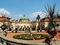 Zahrada a zámek Buchlovice - chata k pronájmu