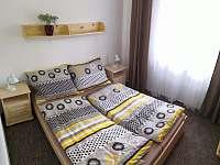 Pokoj s dvoulůžkovou postelí - apartmán ubytování Sloup