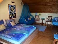 K dispozici dva pokoje 2 - 3 lůžka; jeden pokoj 2 - 4 lůžkový.