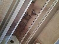 sprchový kout - apartmán k pronajmutí Velké Němčice